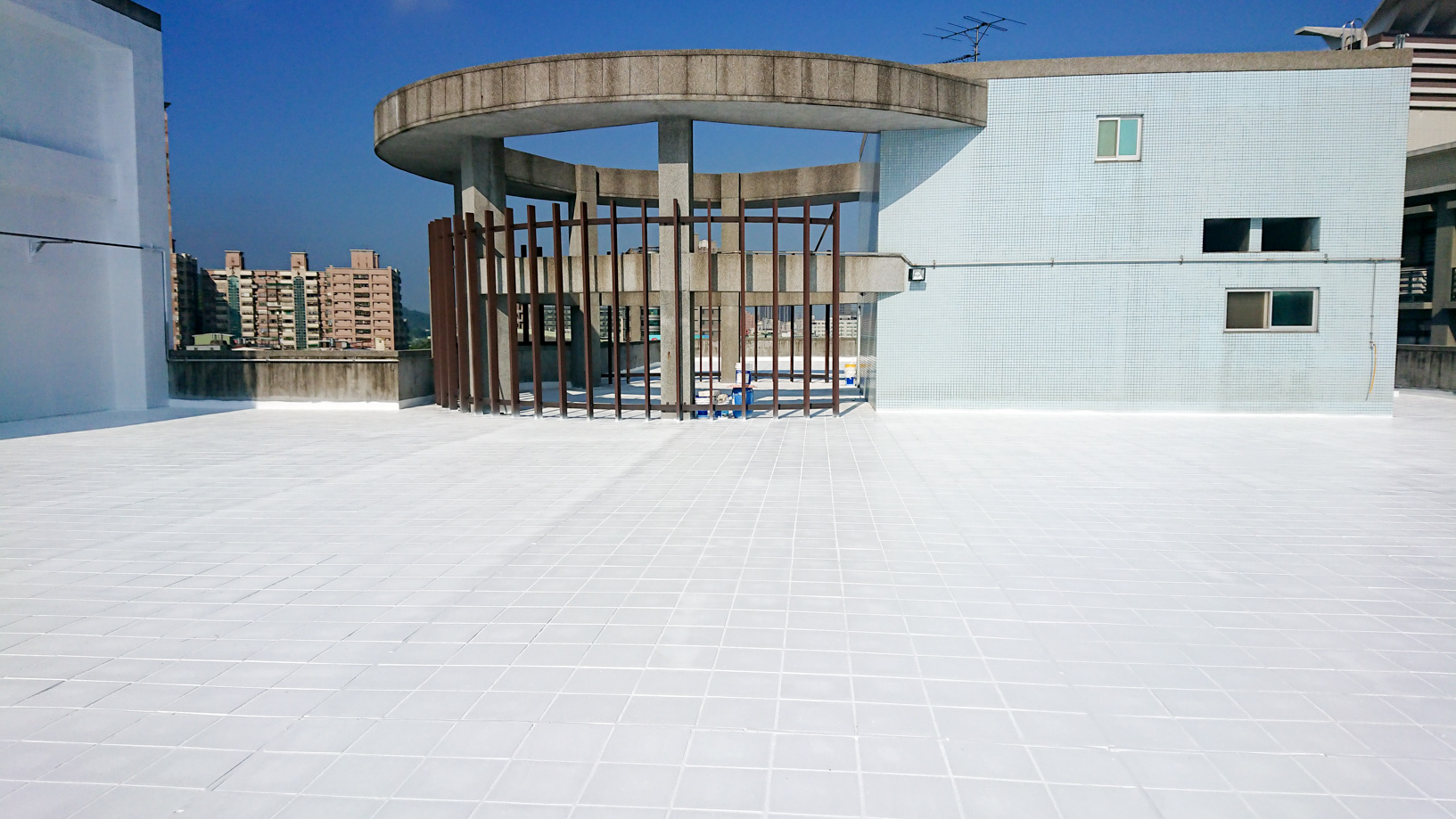 Roof thermal insulation engineering completed for conserving energy to reduce carbon emission
